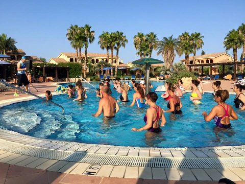 Sessione di acquagym all'hotel Lanatana Resort.